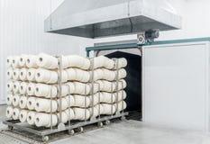 Tork i textilfabrik arkivbilder