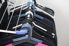 Torka för tvätteriskjortor arkivfoton