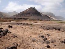 Torka landskapet av Sao Vicente, en av Kap Verdeöarna royaltyfria foton