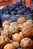 Torkad citron på kryddamarknaden royaltyfri bild