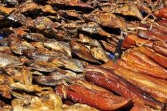 Torkad fisk i marknaden Arkivbild