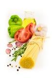 Torkad pasta med grönsaker Royaltyfria Bilder