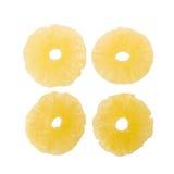 torkade ananasskivor, kanderad ananasskiva som isoleras på vit b Arkivbilder