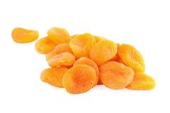 torkade aprikosar isolerade white Arkivfoton