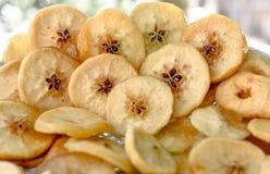 Torkade frukter, äpplen Arkivfoto