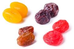 torkade frukter isolerade white Fotografering för Bildbyråer