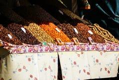 Torkade frukter och skidfrukter i Marocko. Royaltyfri Foto
