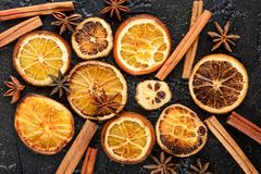 torkade orange skivor Arkivfoton