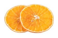 torkade orange skivor Skivor för apelsin för aromatiska kryddor för jul som doftande isoleras på vit Arkivbild