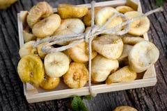 Torkade torra söta fikonträd - sund vegetarisk mat arkivbilder