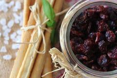 Torkade tranbär, kex, italiensk mat, italienska mellanmål, italienska kex Royaltyfria Bilder