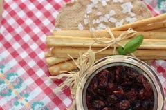 Torkade tranbär, kex, italiensk mat, italienska mellanmål, italienska kex Royaltyfri Bild