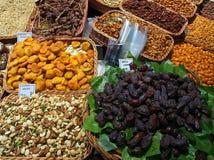 Torkat - frukt och muttrar, helgon Josep Market, Barcelona Royaltyfria Foton
