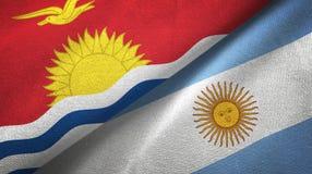Torkduk f?r Kiribati och Argentina tv? flaggatextil, tygtextur stock illustrationer