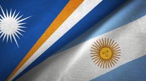 Torkduk f?r Marshall Islands och Argentina tv? flaggatextil, tygtextur royaltyfri illustrationer
