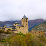 Torla Church in Pyrenees Ordesa Valley at Aragon Huesca Spain. Torla Church in Pyrenees Ordesa Valley door Aragon Huesca Spain Stock Images
