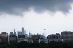 Tormenta de la lluvia sobre Toronto Imágenes de archivo libres de regalías