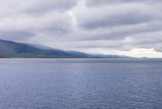 Tormenta de viento sobre el lago Baikal Fotografía de archivo