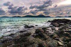 Tormenta del mar con la nube tempestuosa y el cielo Foto de archivo libre de regalías