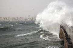 Tormenta del viento del sudoeste, Estambul, Turquía imagen de archivo libre de regalías