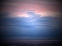 Tormenta en la puesta del sol foto de archivo libre de regalías