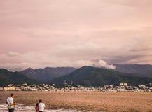 Tormenta que elabora cerveza sobre Puerto Vallarta fotos de archivo libres de regalías