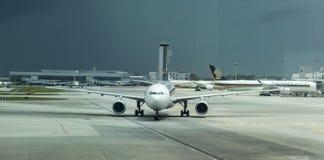 Tormenta que viene en el aeropuerto internacional de Singapur Changi Fotografía de archivo