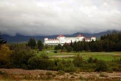Tormenta sobre centro turístico de montaña Imagen de archivo libre de regalías