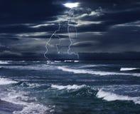 Tormenta y el mar Imagen de archivo libre de regalías