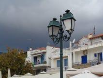 Tormentas negras en la isla de Skiatos, Grecia fotos de archivo