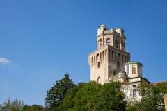 Torn av den astronomiska observatoriet av Padua, Italien Mot blå himmel utrymme för text arkivbilder