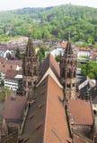 Torn av den Freiburg Munster domkyrkan, Freiburg im Breisgau stad, Royaltyfria Bilder