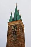 Torn av den heliga anden i Telc Arkivbild