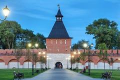 Torn av den Ivanov porten i Tula kremlin royaltyfri fotografi