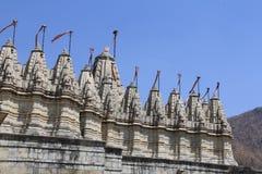 Torn av den Jain templet på Ranakpur Arkivbilder