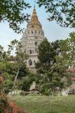 Torn av den Kek Lok Si Buddhist templet royaltyfri bild