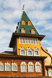 Torn av den stora träslotten i den Kolomenskoe Moskva Royaltyfri Bild
