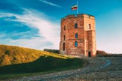 Torn av Gediminas Gedimino i Vilnius, Litauen Historiskt symbol av staden av Vilnius och av Litauen själv arkivbilder