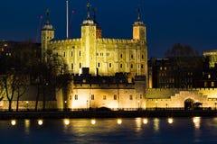 Torn av London och flodThemsen Royaltyfri Fotografi