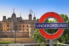 Torn av London och tunnelbana, symboler av London Fotografering för Bildbyråer