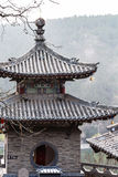 Torn av pagoden på den östliga kullen av Longmen grottor Arkivfoto