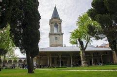 Torn av rättvisa i den andra borggården av den Topkapi slotten royaltyfria bilder