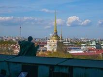 Torn av St Petersburg Amiralitetet Royaltyfria Bilder