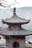 Torn av templet på den östliga kullen av Longmen grottor Arkivfoto