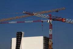 `-Torn`en under konstruktion av den nya utställningmitten av det Prada fundamentet Royaltyfri Foto