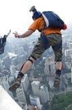 torn för banhoppningkl-skydiver Arkivfoton