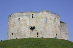 Torn för Clifford ` s i York, Storbritannien royaltyfria bilder