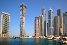 torn för dubai oändlighetsskyskrapa Arkivbild