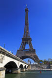 torn för eiffel france paris flodseine Royaltyfri Fotografi