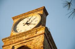Torn för Fiorenzula stadsklocka med klockan Royaltyfria Bilder